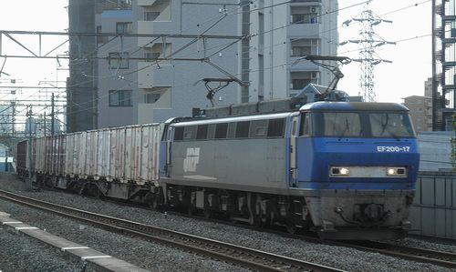 EF200-17[吹](八丁畷駅・2014年9月3日)