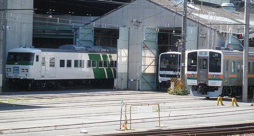 東チタ185系「A8」編成(2011年7月11日・大宮総合車両センター)