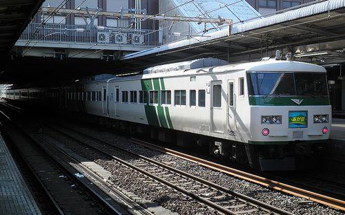 東チタ185系「A8」編成(2013年2月9日・大宮駅)