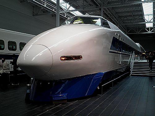 100系新幹線(123-1、「X2」編成)(リニア・鉄道館、2011年4月17日)