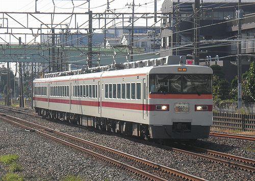 東武鉄道350系・特急「きりふり」(2014年10月18日・杉戸高野台駅)
