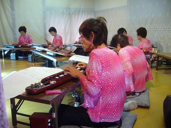 今日はピンクの服で演奏 26.9.20