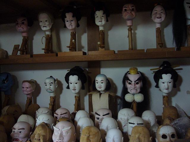 棚には人形の頭いっぱい 26.10.9