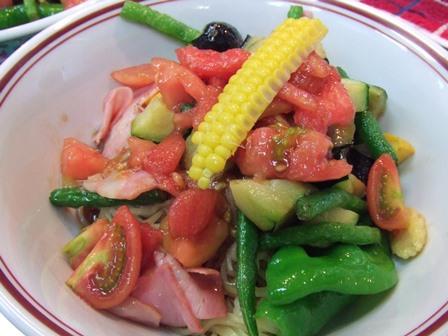 夏野菜黒酢涼麺