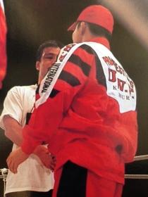 田村ヤマケン最後の握手