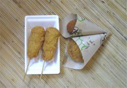 豚捨の串とコロッケ