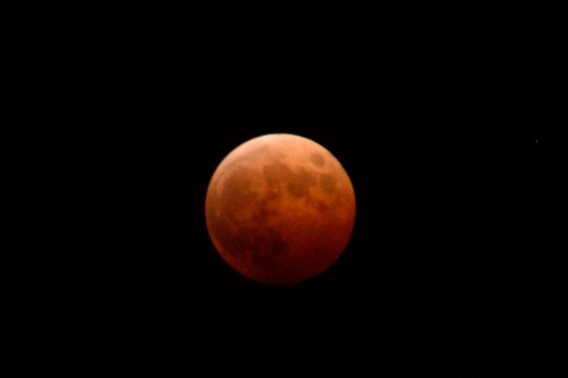 皆既月食 (3)