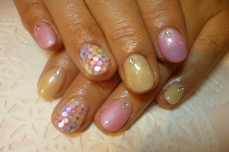 2014ネイルデザイン 春色パールピンク&ベージュワンカラーネイル ホロお花ネイル