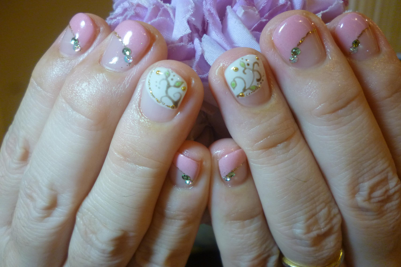 2014ネイルデザイン ピンク斜めフレンチネイル ボタニカルネイル