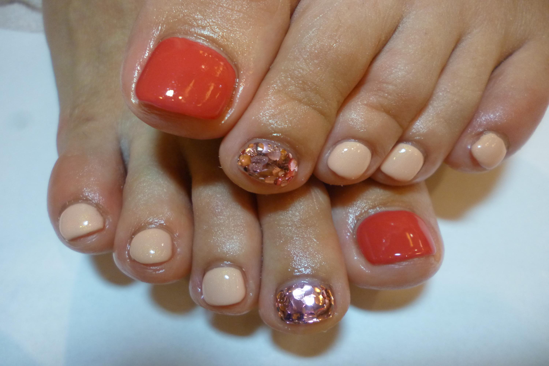 2014ネイルデザイン 3色ピンクのフットジェルネイル