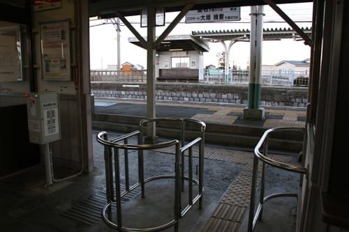 美濃高田駅3