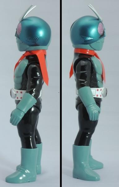 仮面ライダー旧1号:左右側面