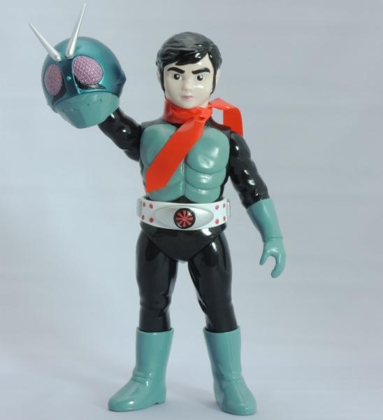 東映レトロソフビコレクション 仮面ライダー旧1号(仮面ライダーより)マスク右手持ち