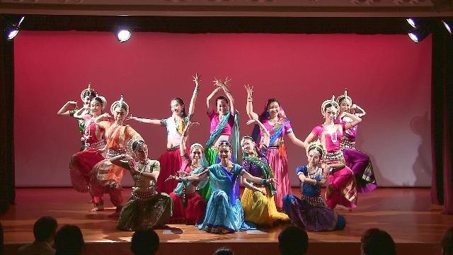 indiadance1.jpg