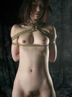 【画像】ギチギチにM女を緊縛してるSMプレイ画像