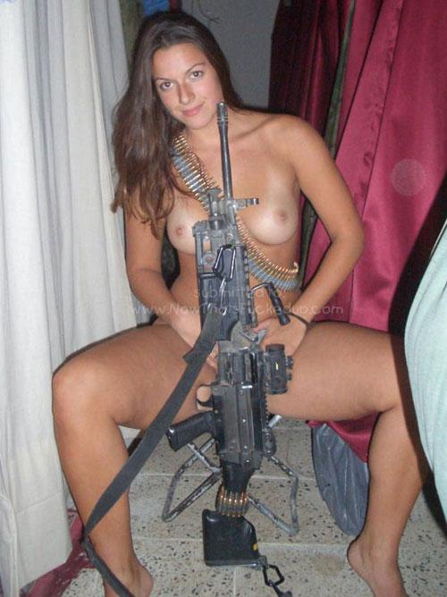 【絶句】米軍の女兵士のヌード・・・・・これ売春婦じゃねーのか。。。(画像22枚)