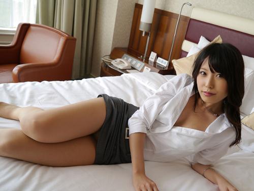 ちっぱいAV女優・有村千佳の淫美な大人の色気がエロ過ぎる