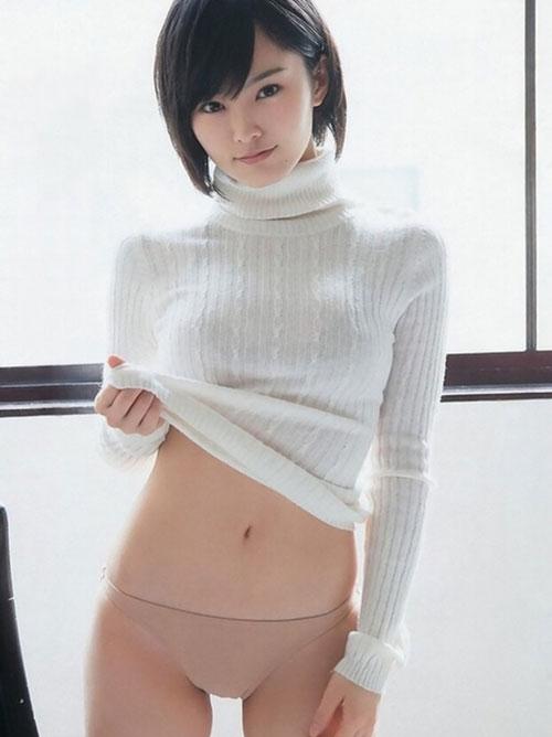 巨乳がセーター着てたら最高のエロになる画像