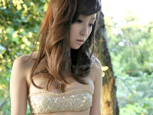 木口亜矢 妖艶で美しい体のエロ画像