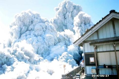 野口泉水(いずみ)さん撮影の2014年9月27日御嶽山噴火