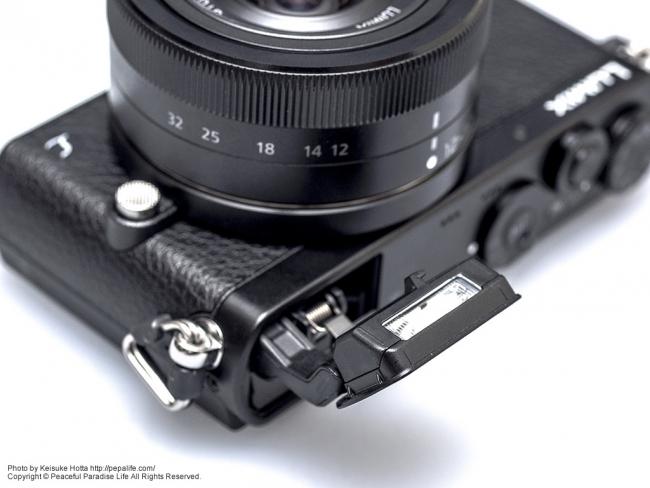 Panasonic LUMIX GM (DMC-GM1K) のフラッシュ