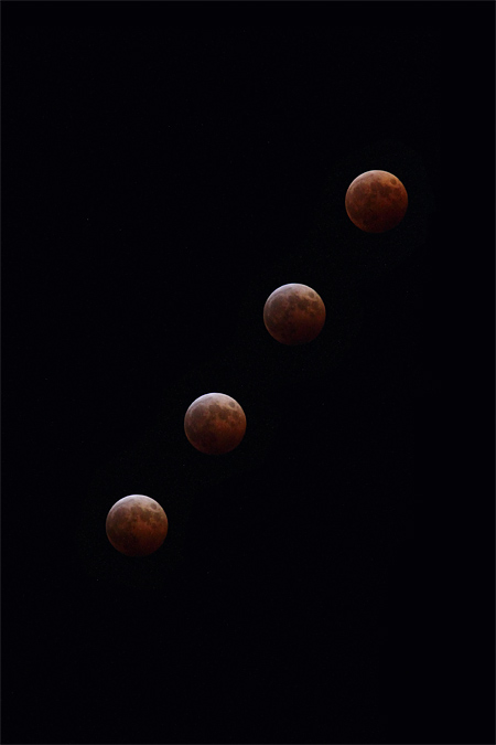 皆既月食 19:30-19:45