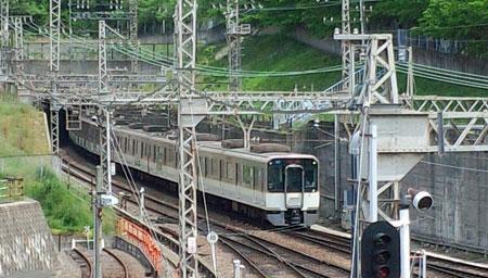 生駒トンネル02