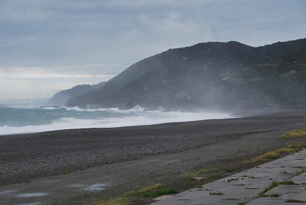 海岸波が高い