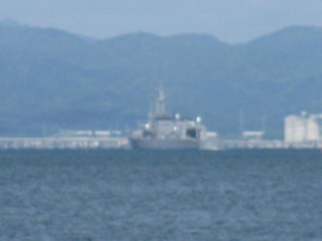 護衛艦・・・函館出港