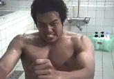ゲイ動画:体育会ノンケ宿舎、風呂場でオナニー悪ふざけ !! 好帥哥