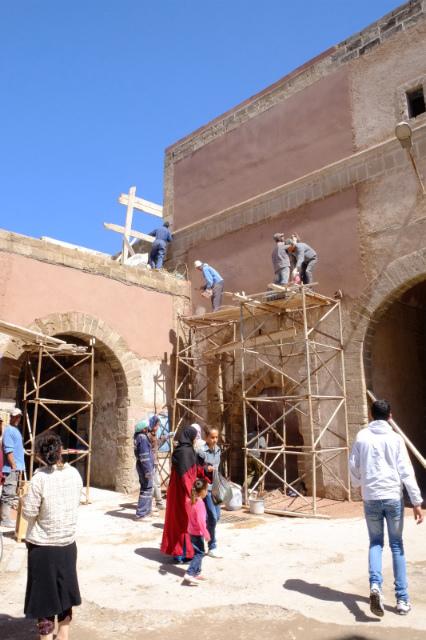 城壁の修理