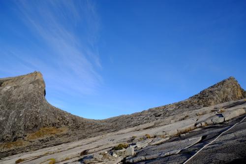 青空とキナバル山