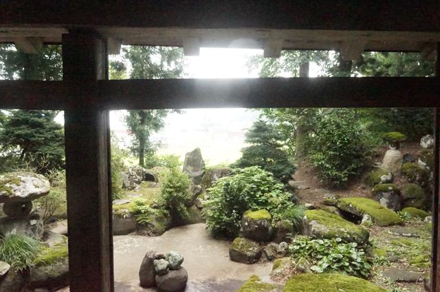 祖父の家から見える庭