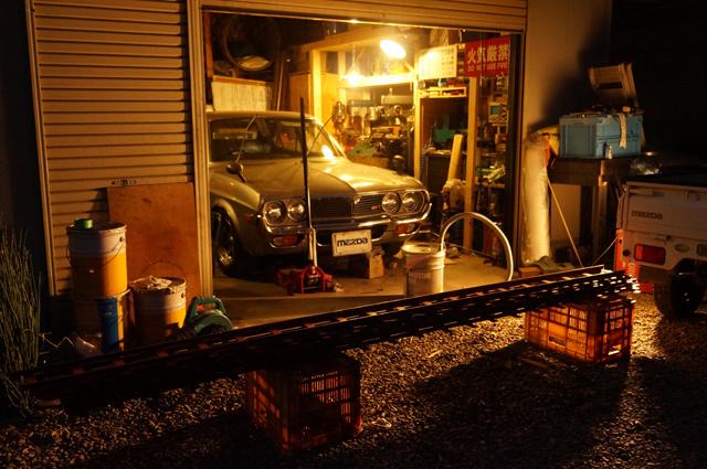 朝5時、ヒノモトロータリーベース 日野十日町機関区車庫前の出来上がった軌道