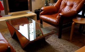 arflex/アルフレックス〉MONTAGNA/モンターニャ クリアガラスセンターテーブル