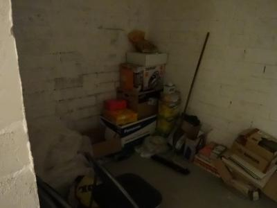 マンションの地下倉庫
