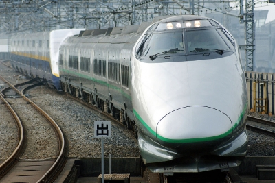 1024px-JR_East_Shinkansen_400(renewal).jpg