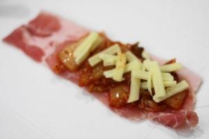 キムチとチーズの肉巻き1