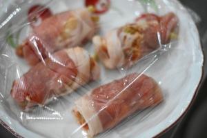 キムチとチーズの肉巻き2