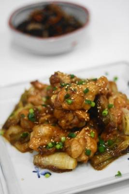 鶏手羽元のコクうま黒酢煮1