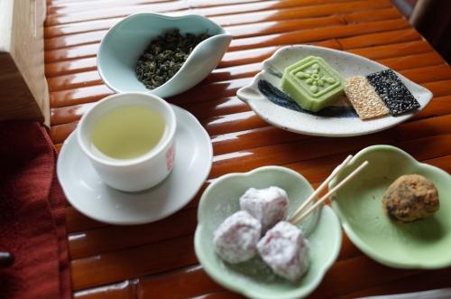 お茶菓子とお茶
