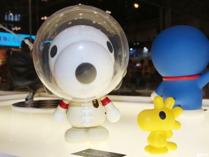 BAPE VCD SNOOPY AND WOODSTOCK