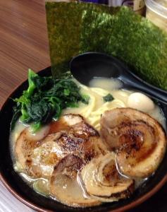 新宿家炙り叉焼麺