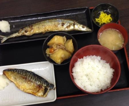定食秋刀魚鯖
