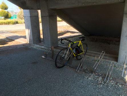 自転車置き場_140413