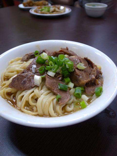 港園牛肉麺館3