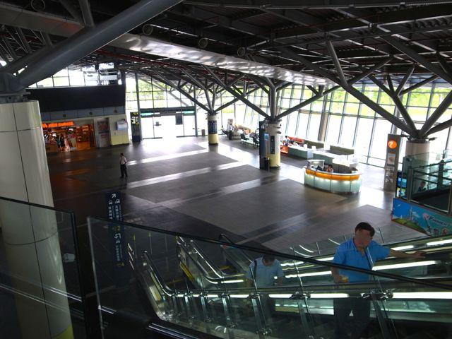 高鉄台南駅 1