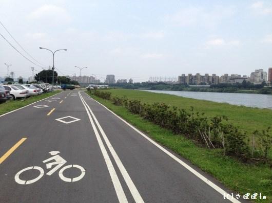 華中橋河岸8