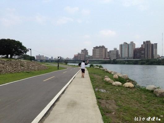 華中橋河岸6