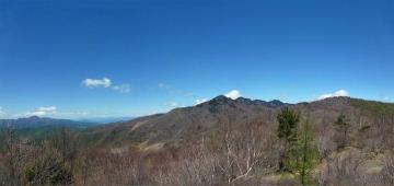 展望台からの袈裟丸山